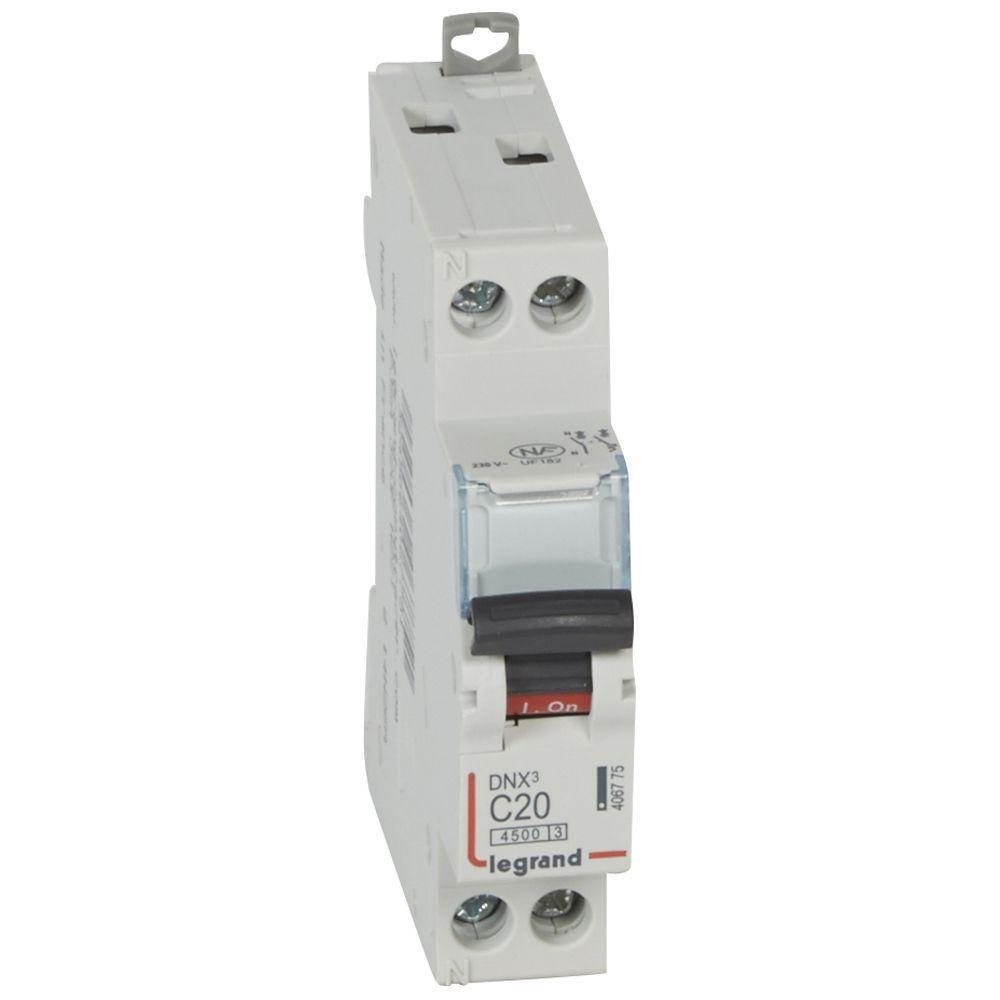 Disjoncteur DNX³ 4500 - vis/vis - U+N 230V~ 20A - 4,5kA - courbe C - 1 mod (406775)