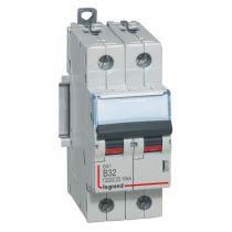 Disjoncteur DX³ 6000 -vis/vis- 2P-230/400V~ -32A-10kA - courbe B-peigne HX³ trad 2P- 2M (407497)