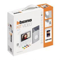 Kit portier vidéo couleur Classe 100X connecté avec écran 5pouces, contrôle d\'accès par badges et boucle inductive Blanc (BT3646