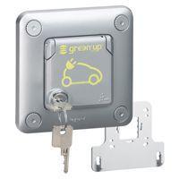 Prise Green\'up Access - 3,2 kVA-mode 2 - IP55-IK10 - encastré - volet verrouillé (077898)