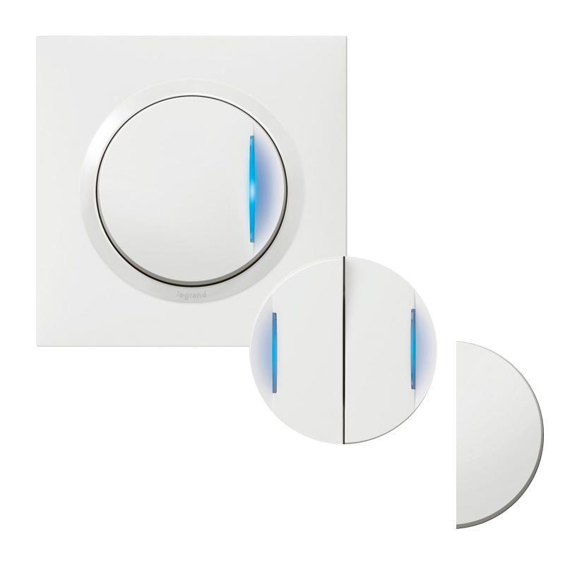 Transformeur pour réaliser 5 fonctions lumineuses dooxie one livré avec plaque carrée blanche et griffes (600730)